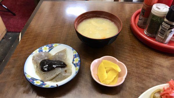 味噌汁、小鉢