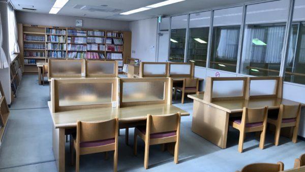 上河内図書館の学習室(閲覧室)
