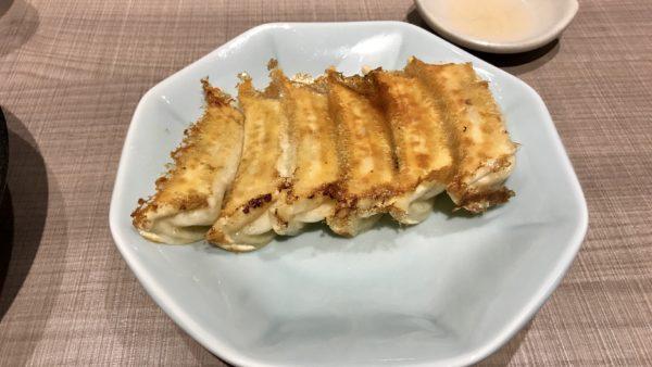 宇都宮みんみんホテルアール・メッツ店の焼き餃子