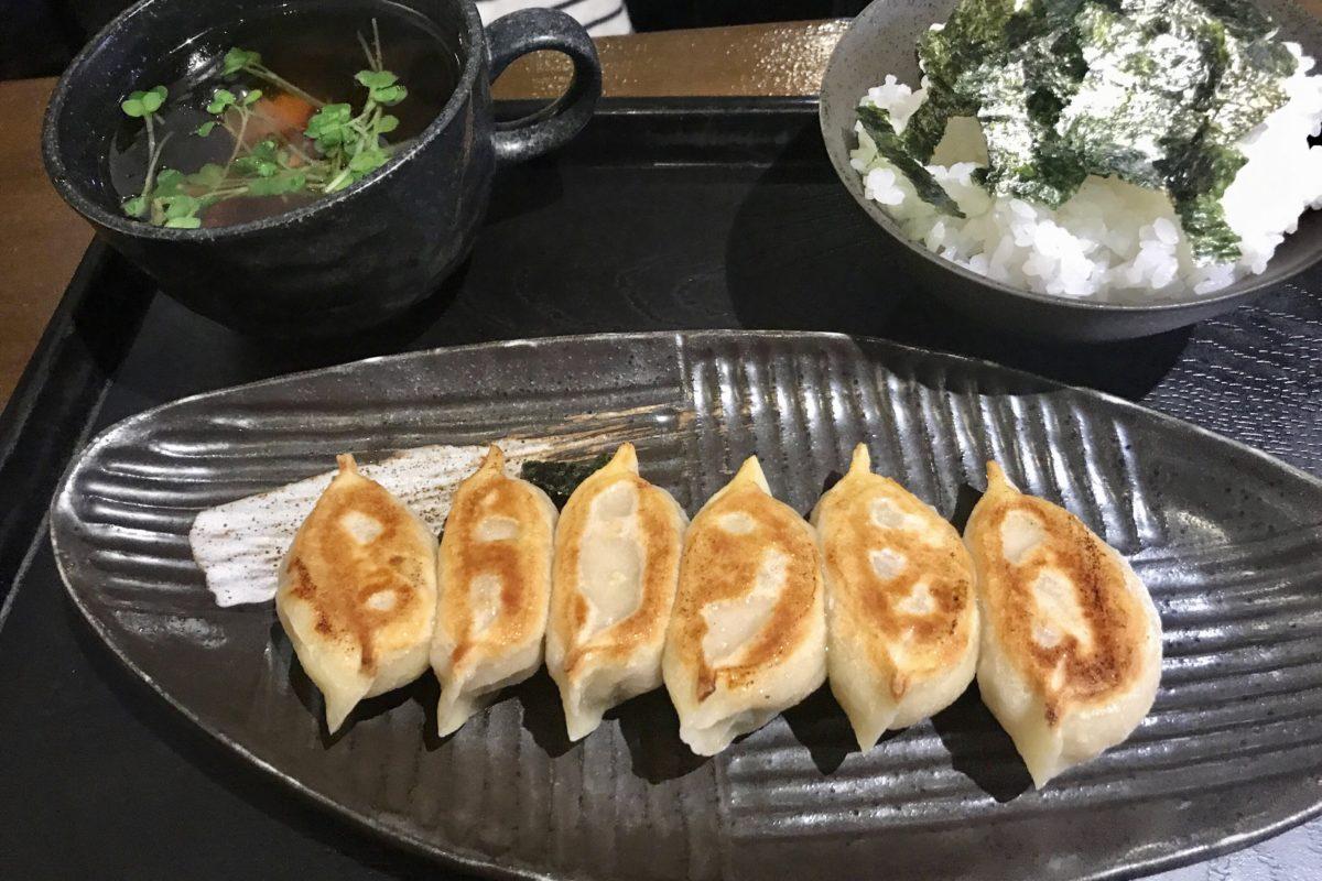 和の中の焼き餃子ランチ