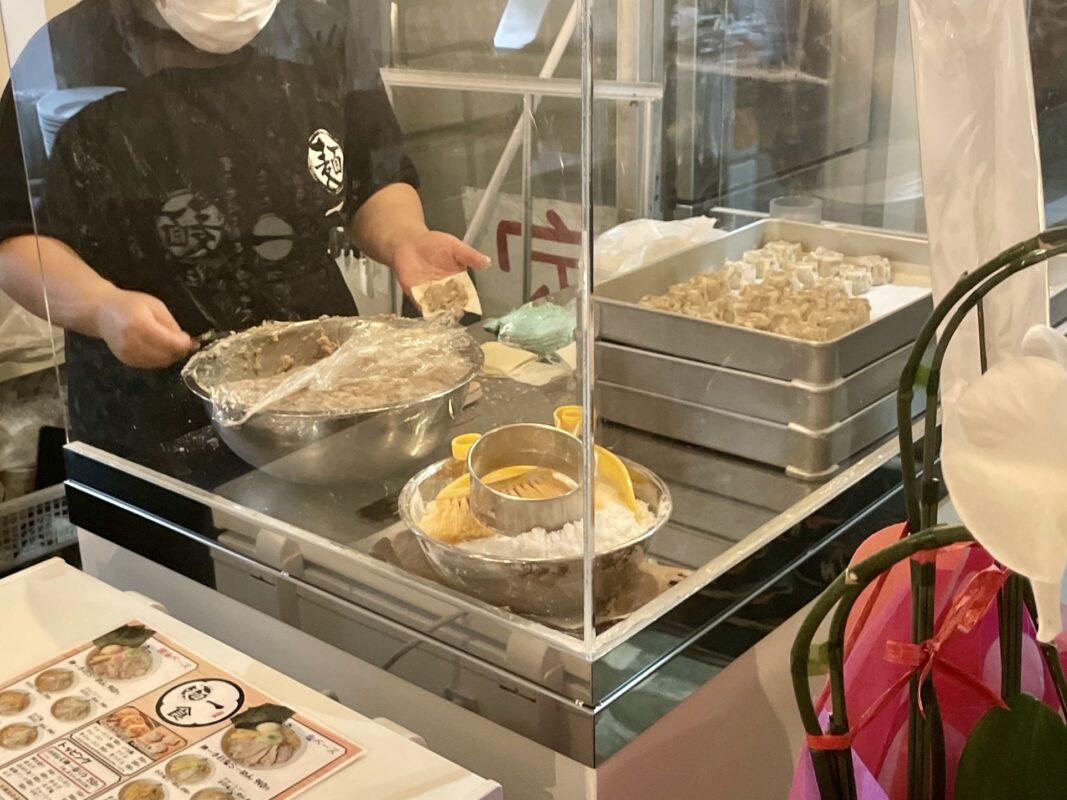 麺一の餃子しゅうまい作り