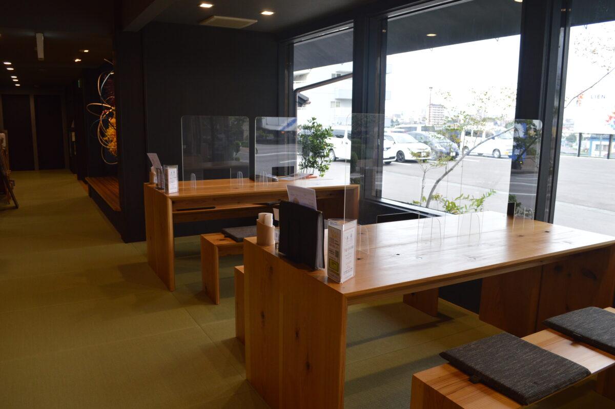 リアン茶屋のボックス席