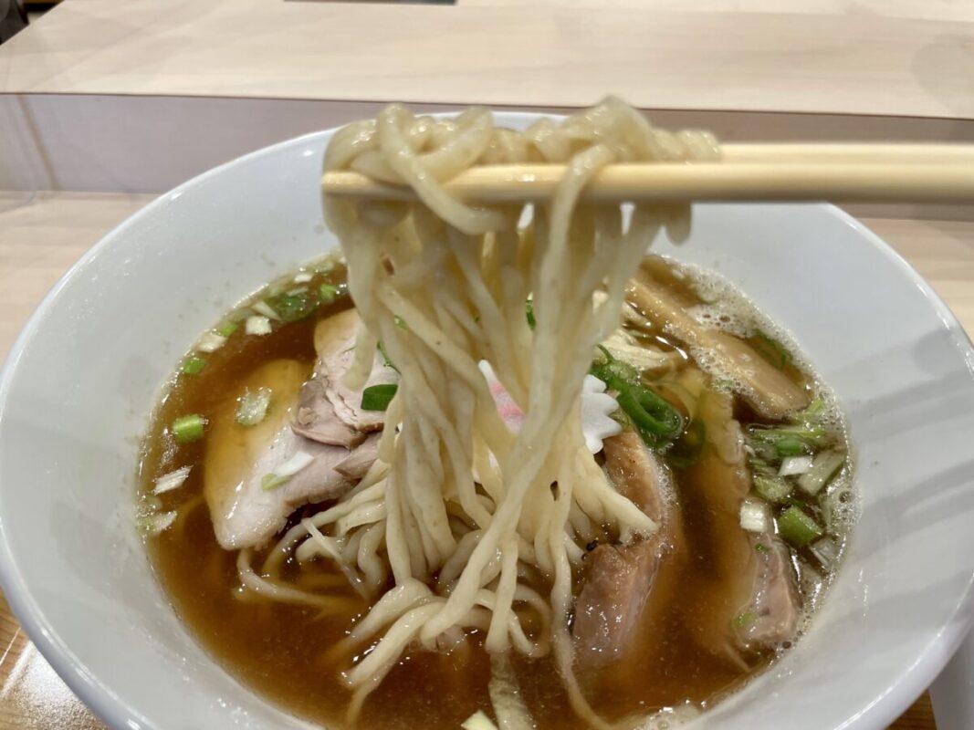 カゼノウタの麺